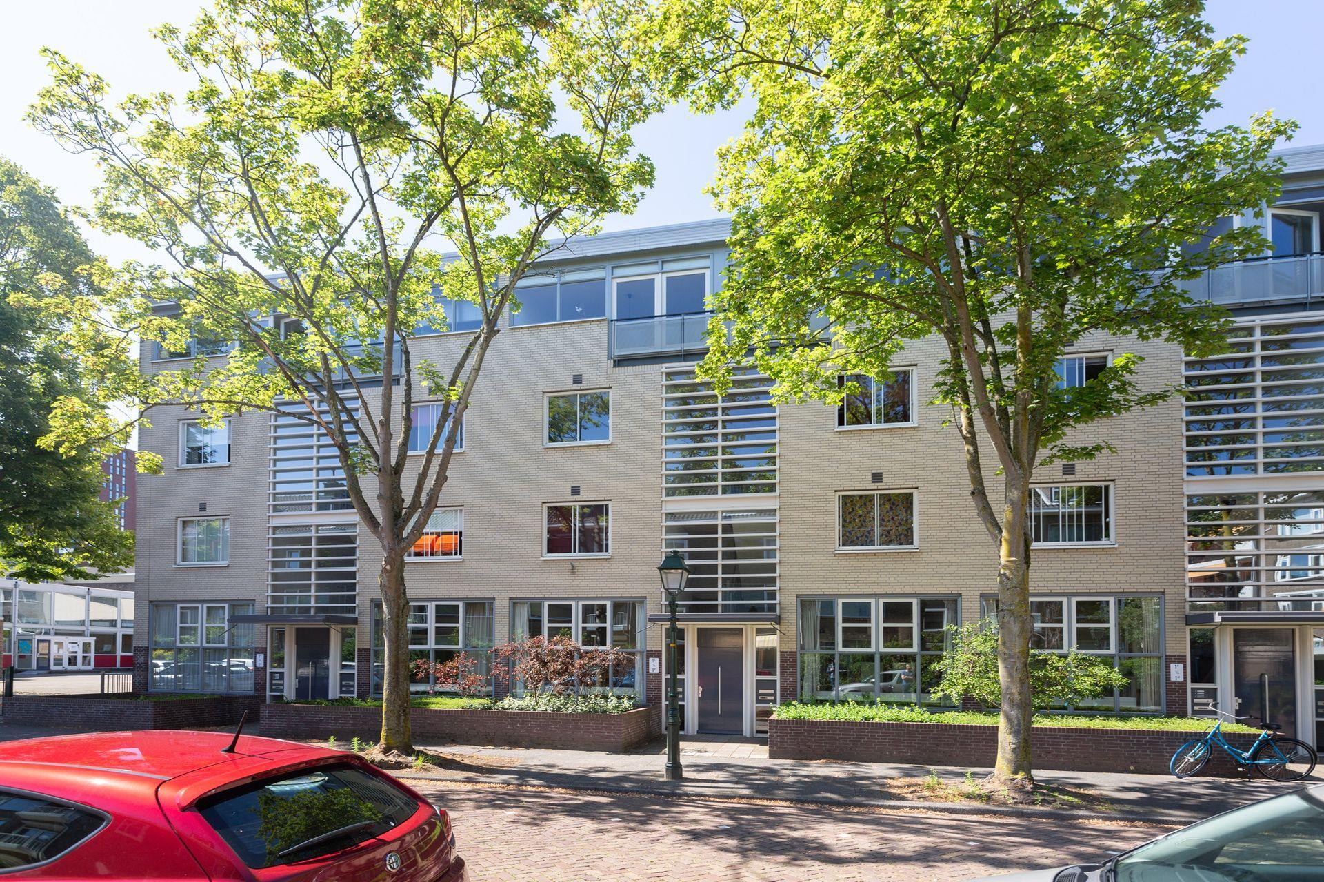Bekijk de foto van: Amalia van Solmsstraat 1 , 2595 TA in Den haag - The Hague Real Estate Services
